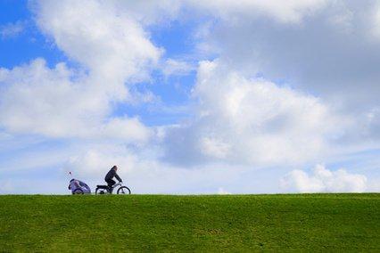 Radfahren auf dem Deich